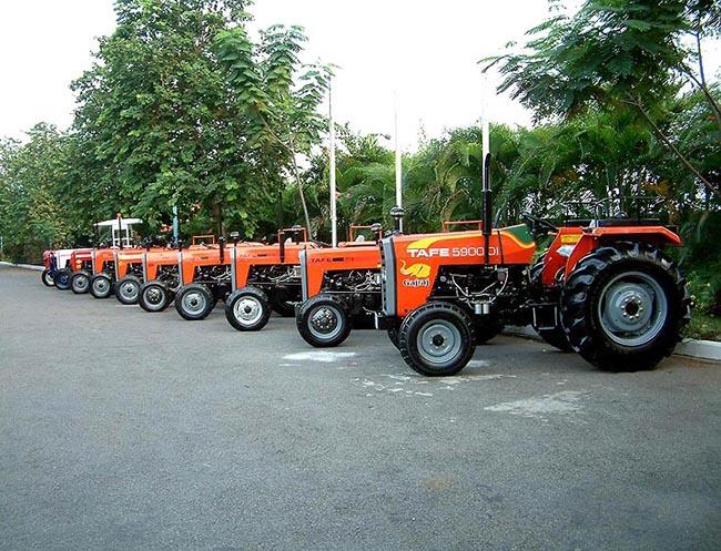 01-b-Traktori_za_izvoz